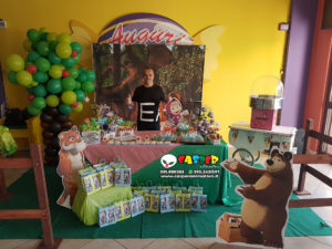Festa a tema masha e orso